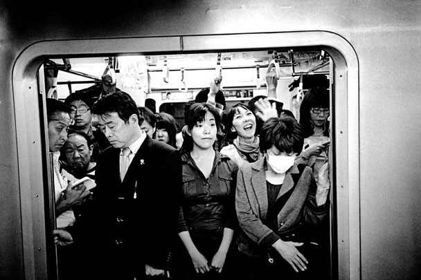 American Photo: Shoot Now, Think Later: Hiroyuki Ito Rediscovers Japan